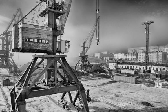 1 Cranes wide